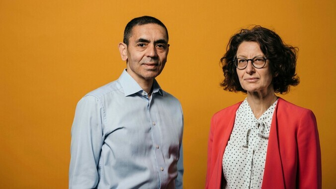 Özlem Türeci 圖雷西醫生及丈夫 Ugur Sahin。(Photo from Financial Times)