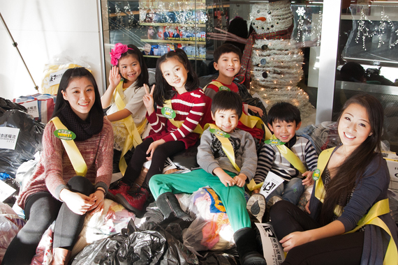 Winter Warm Wave Celebrates 20th Anniversary with 47 tons of Clothing Donations